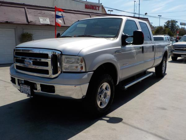 Ford F  Crew Cab Long Bed Lariat