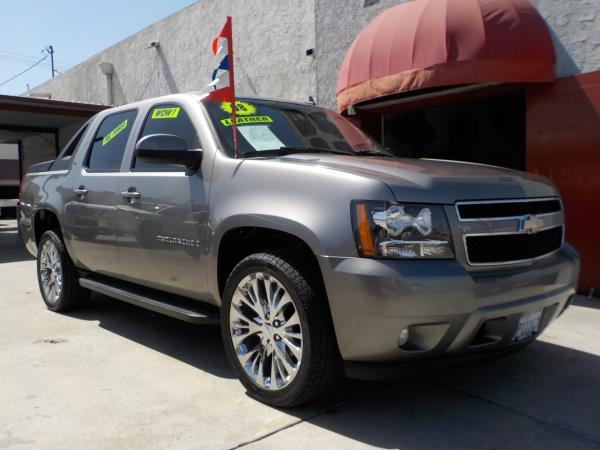 2008 CHEVROLET AVALANCHE smoke grayblack automatic air conditioneralarmamfm radioanti-lock