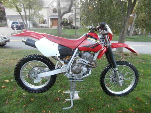 2002 HONDA XR400R redgrey 5 speed manual 2 miles Stock 1030 VIN JH2NE031X2K701056