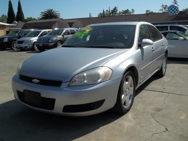 2006 CHEVROLET IMPALA silvergray automatic air conditioneralarmamfm radioanti-lock brakesc