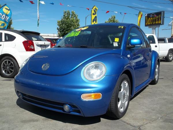2000 VOLKSWAGEN NEW BEETLE blueblack auto air conditioneralarmamfm radiocd changerchild-sa