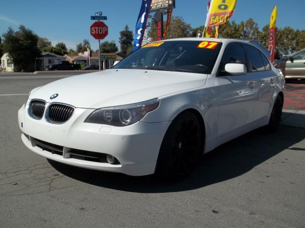 2007 BMW 5 SERIES whiteblack automatic air conditioneralarmamfm radioanti-lock brakescasse