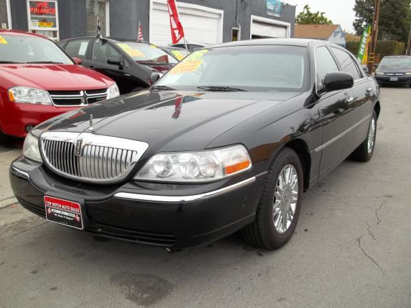 2006 LINCOLN TOWN CAR blackblack automatic air conditioneralarmamfm radioanti-lock brakesc