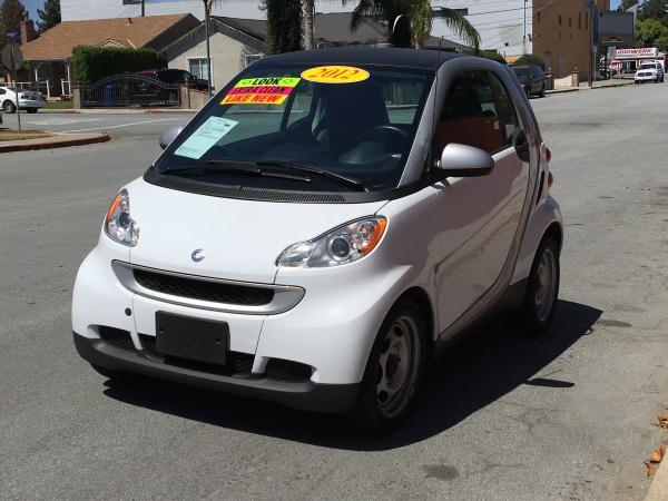 2012 SMART FORTWO whiteblack automatic air conditioneramfm radioanti-lock brakescd playerc