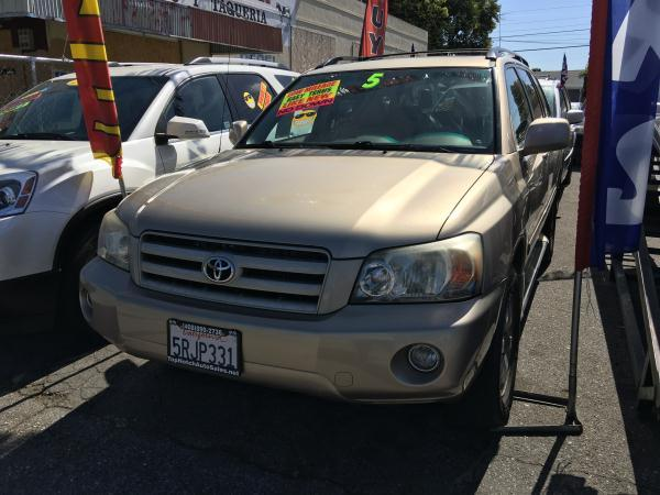 2005 TOYOTA HIGHLANDER champagnebeige automatic anti-lock brakescd playerchild-safety latchc