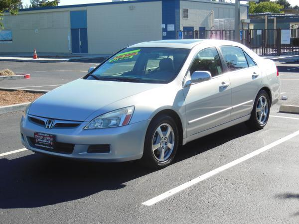 2007 HONDA ACCORD silvergray 5 speed automatic air conditioneralarmamfm radioanti-lock brak