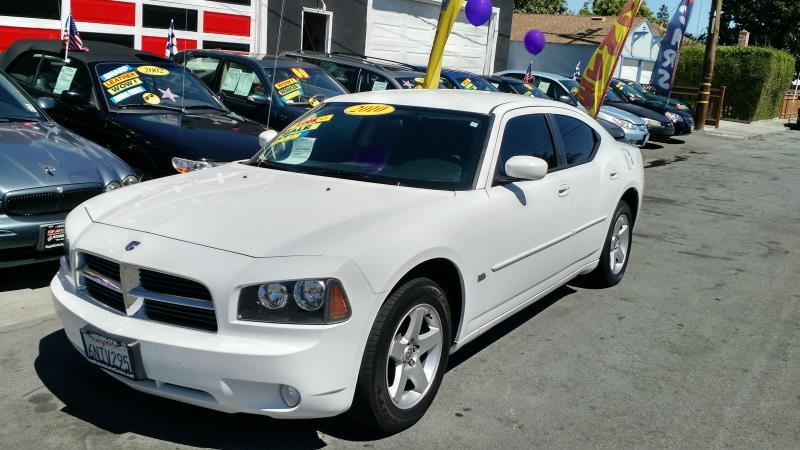 2010 DODGE CHARGER whiteblack automatic 116637 miles Stock 1621 VIN 2B3CA3CV9AH290403