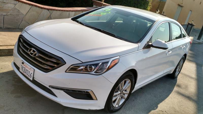2015 HYUNDAI SONATA whitegray automatic air conditioneralarmamfm radioanti-lock brakescd p