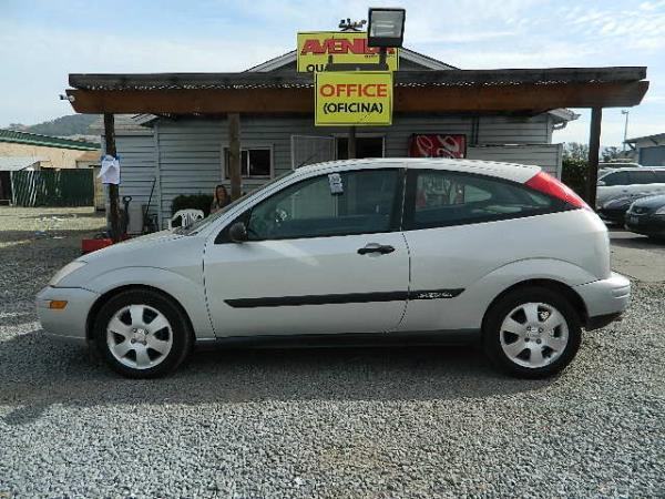 2000 FORD FOCUS silver auto 147410 miles Stock 1100 VIN 3FAFP3133YR252262