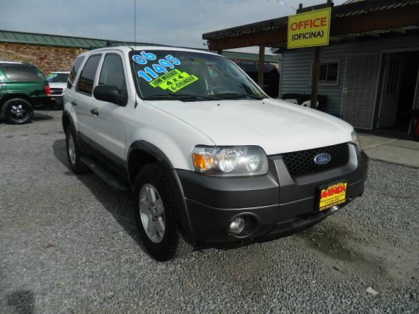 2006 FORD ESCAPE whitegrey automatic 91931 miles Stock 759 VIN 1FMYU93146KC72334
