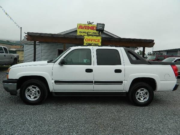 2005 CHEVROLET AVALANCHE white 98062 miles Stock 936 VIN 3GNEC12Z75G292156