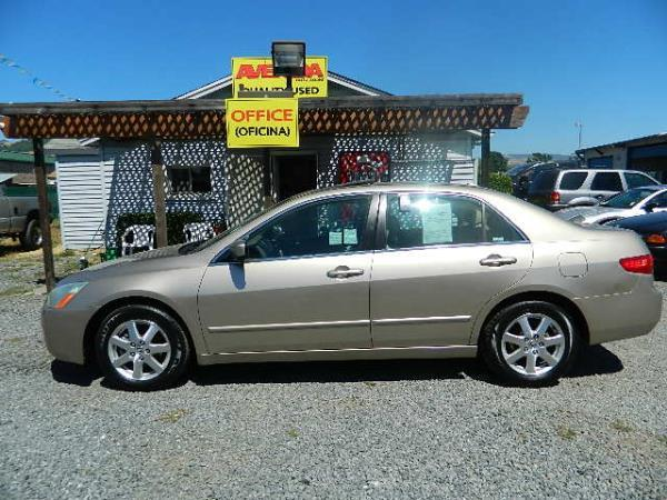 2005 HONDA ACCORD gold 5 speed automatic 123929 miles Stock 997 VIN 1HGCM66575A044023