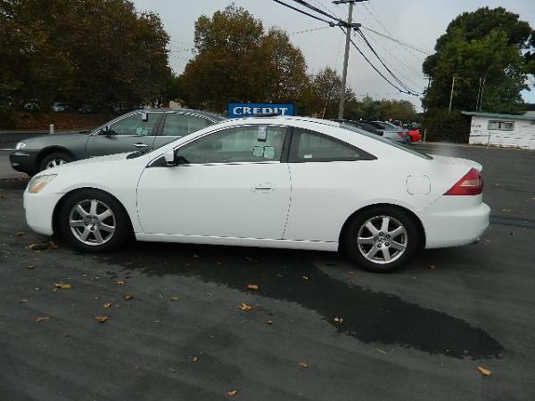 2005 HONDA ACCORD white 5 speed automatic 145280 miles Stock 868 VIN 1HGCM82445A016222