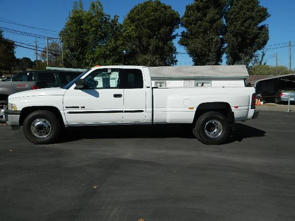 2001 DODGE RAM PICKUP white auto 98452 miles Stock 958 VIN 1B7MC33WX1J606234
