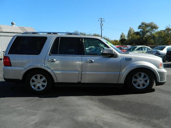 2005 LINCOLN NAVIGATOR silversilver auto 123421 miles Stock 976 VIN 5LMFU275X5LJ11181