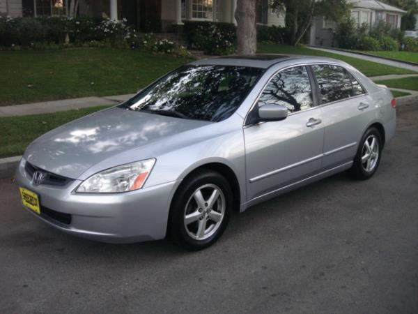 2004 HONDA ACCORD silvergray 5 speed automatic 180551 miles Stock 2716 VIN JHMCM56804C02233
