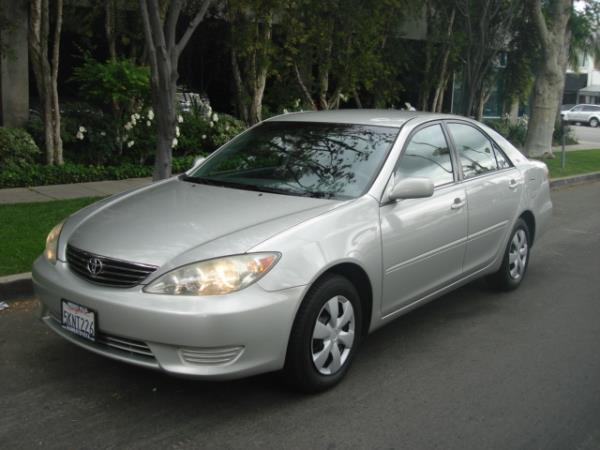 2005 TOYOTA CAMRY silvergray automatic 128536 miles Stock 2783 VIN 4T1BE32K35U393904