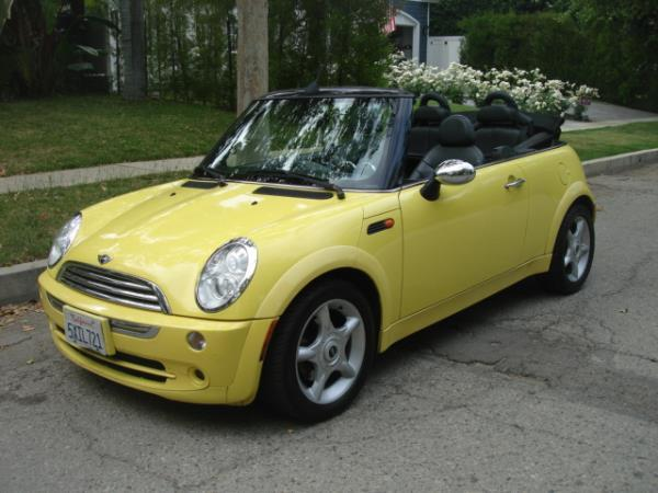 2005 MINI COOPER yellowblack automatic 128222 miles Stock 2806 VIN WMWRF33465TG10769
