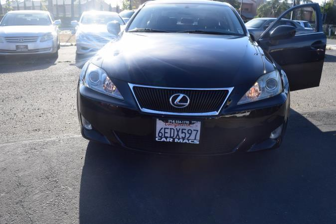 LEXUS IS 250 BASE