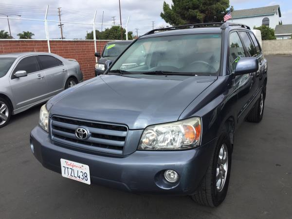 TOYOTA HIGHLANDER BASE