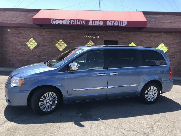 CHRYSLER TOWN  AMP; COUNTRY TOURING L
