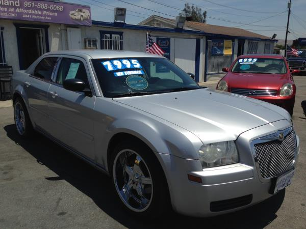 CHRYSLER 300 BASE