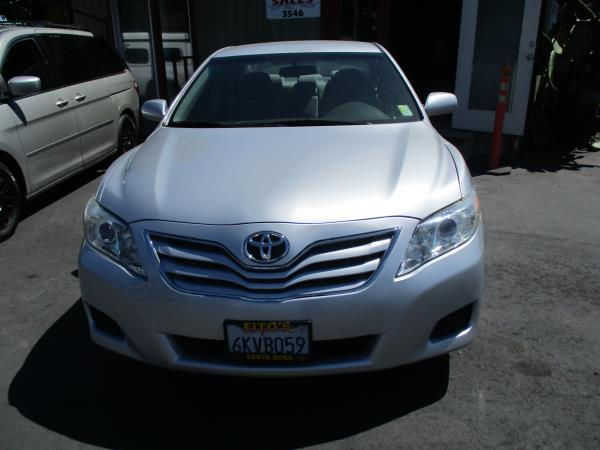 TOYOTA CAMRY BASE