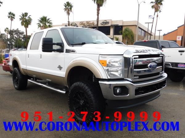 FORD F-250 SUPER DUTY LARIAT