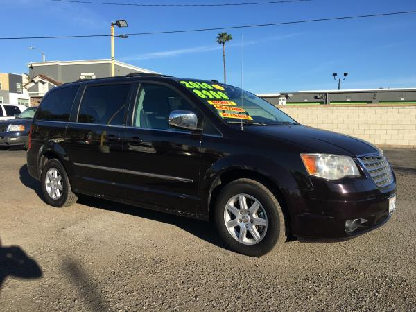 CHRYSLER TOWN  AMP; COUNTRY
