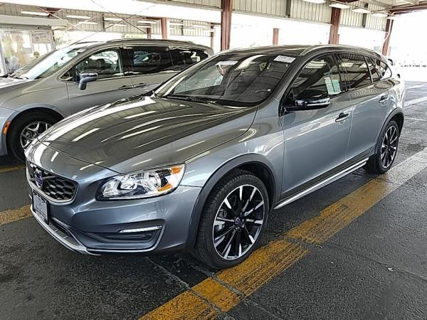 VOLVO V60 CROSS COUNTRY BASE