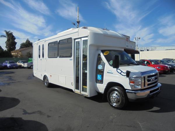 FORD E-450 SUPER DUTY BASE