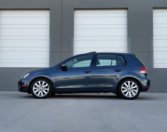 VOLKSWAGEN GOLF TDI W/SUNROOF