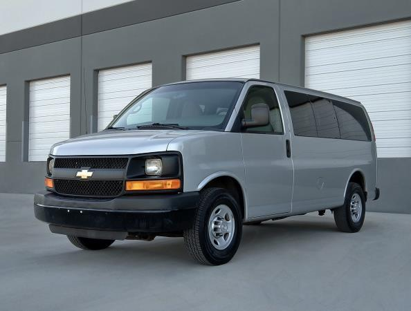 CHEVROLET EXPRESS 2500 LS