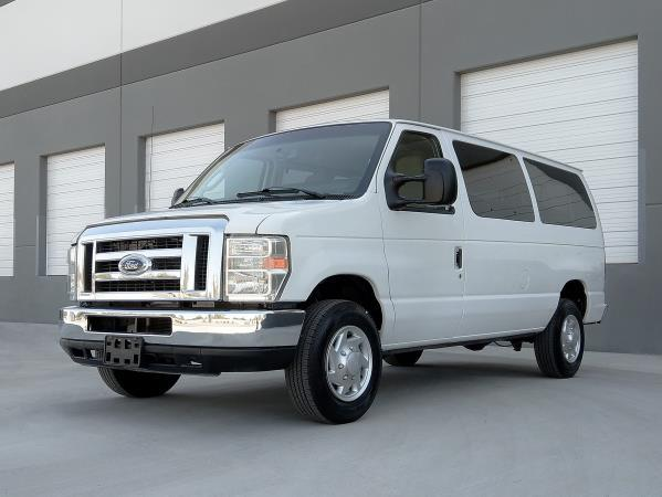 FORD E-350 XLT SUPER DUTY