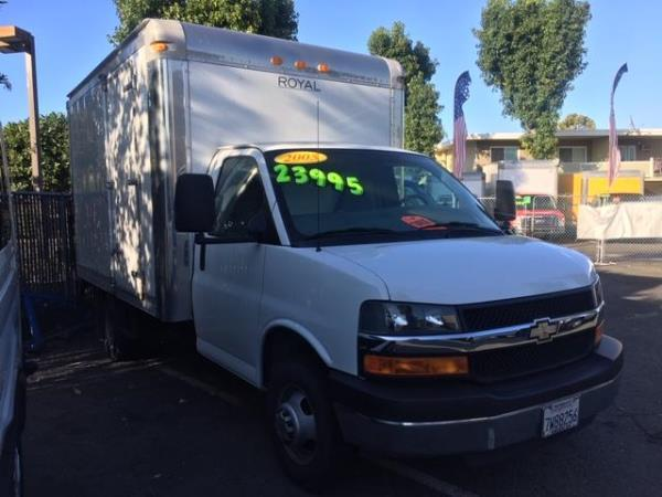 CHEVROLET EXPRESS G3500 12 FT BOX LIFTGATE BASE