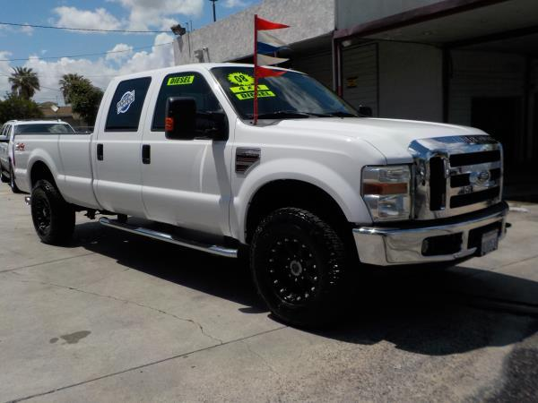 FORD F-250 CREW 4WD LONG LARIAT