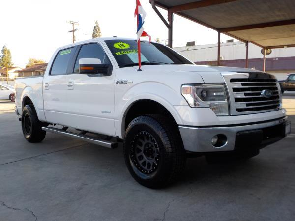 FORD F-150 SUPER CREW LARIAT