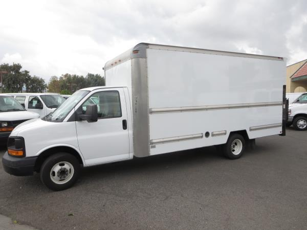 GMC SAVANA 3500 BASE 177 IN. WB
