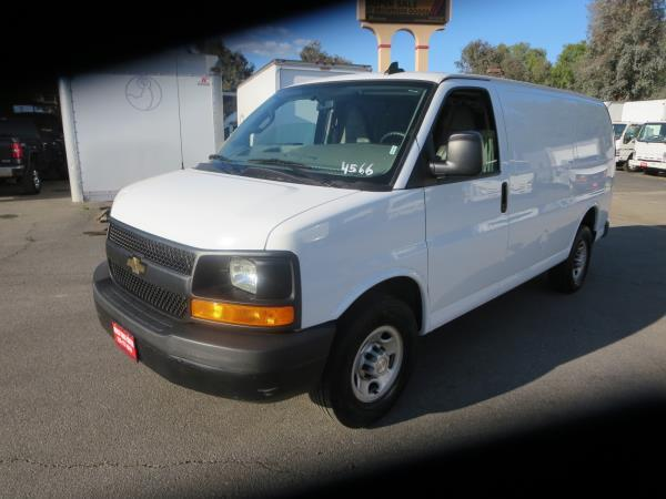 CHEVROLET EXPRESS 25OO WORK VAN