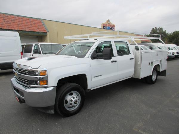 CHEVROLET C3500 DSL 4X4 WORK TRUCK
