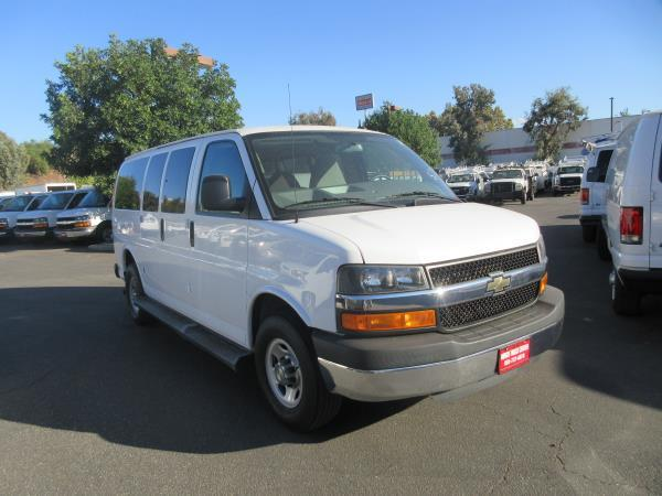 CHEVROLET EXPRESS 8 PASS. LT