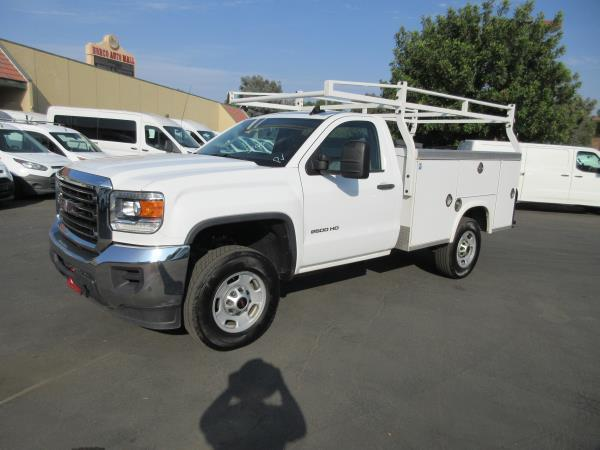 GMC C2500 FLEET/BASE