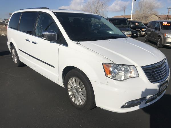 CHRYSLER TOWN  AMP; COUNTRY LIMITED