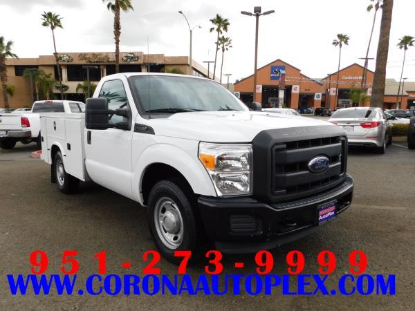 FORD F-250 SUPER DUTY XL UTILITY